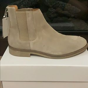 NWT OUT OF STOCK CHELSEA STYLE BOOTS SIZE 12